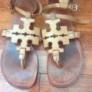 SOLD Tory Burch Phoebe Flat Size 6